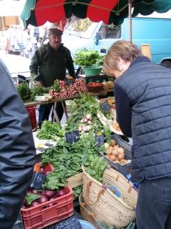 Wat de webwinkelier kan leren van de weekmarkt | fonQ.nl fonQ.nl: nieuws.fonq.nl/wat-de-webwinkelier-kan-leren-van-de-weekmarkt